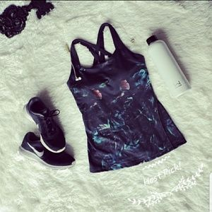 Lucy Athletic top